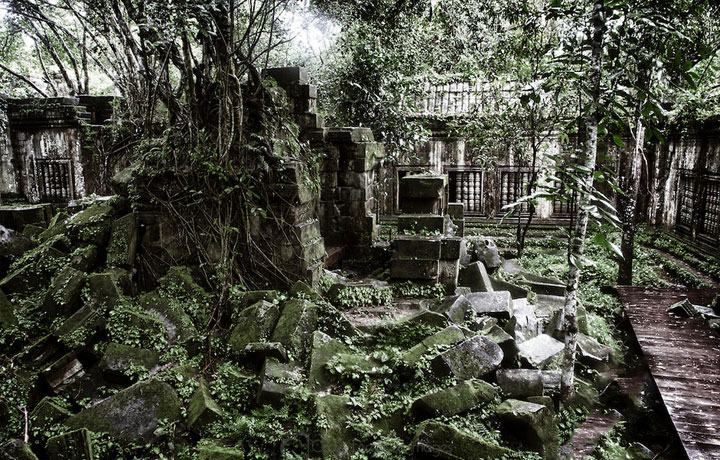 Beng Mealea Day Trip by Van (15 Seats)